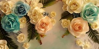 Blom- pappers- bakgrund, blommaorigamigarnering, origami blommar Arkivfoto