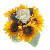 Blom- sammansättning med solrosor och rosor Royaltyfria Bilder