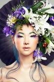 Blom- stående av den härliga modellen Woman royaltyfri fotografi