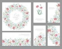 Blom- vårmallar med gulliga grupper av rosa vallmo För romantiker och den easter designen meddelanden, Royaltyfria Bilder