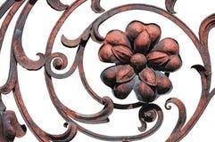 Blomma detaljen av det utsmyckade staketet för gammal rost arkivbild
