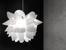 Blomma formad lampa Royaltyfria Foton