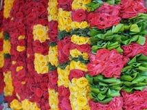 Blomma girlander för religiös ceremoni för Hinduism och för buddism royaltyfria bilder
