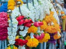 Blomma girlander för religiös ceremoni för Hinduism och för buddism royaltyfri fotografi