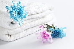 blomma på handduken Arkivbild