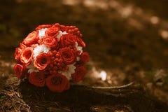 Blommabukett på jordningen Arkivfoto