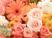 Blommabuketter, grupp av blommor royaltyfria bilder