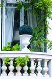 blommad balkong Fotografering för Bildbyråer