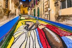 Blommafestivalen av Noto i Sicilien royaltyfria foton