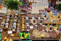 Blommafrö shoppar i mitten av Amsterdam, Nederländerna Arkivfoton