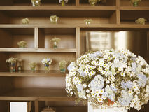 Blommagarnering på bröllopet arkivbild
