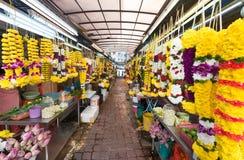 Blommagirlander i lilla Indien, Kuala Lumpur Arkivbild