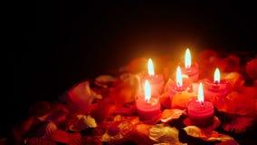 Blommakronbladlängd i fot räknat för valentindag med stearinljusbränning