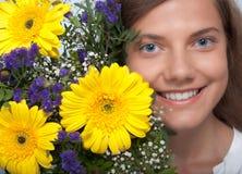 blommalyckakvinna Fotografering för Bildbyråer