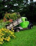 blommapåfyllninglastbil royaltyfria foton