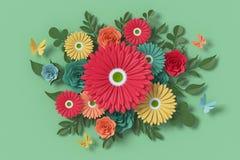 Blommapappersstil, f?rgrik ros, blom- pappers- hantverk, fj?rilspappersfluga, tolkning 3d, med den snabba banan stock illustrationer