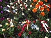 blommar begravning Arkivbild