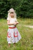 blommar den wild kranen för flickan fotografering för bildbyråer