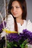 blommar flickan Royaltyfri Foto