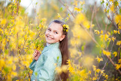 blommar flickan Royaltyfri Bild