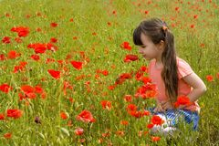 blommar flickan Arkivfoto
