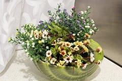 blommar kök Hem- dekor arkivfoton