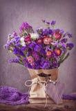 blommar lilan fotografering för bildbyråer