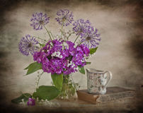 blommar liljapinkdalen Arkivfoto