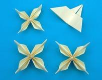 blommar origami Royaltyfri Bild