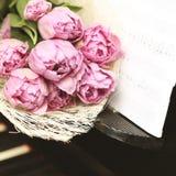 Blommar romantiskt begrepp för bakgrundsmusik Arkivbilder
