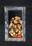 blommar tombstonen Arkivfoto