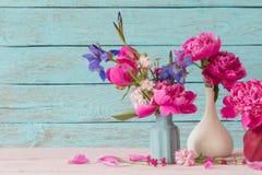 blommar vases Royaltyfri Foto