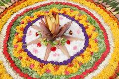 BlommaRangoli design, indisk rangoli fotografering för bildbyråer
