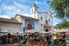 Blommasäljare i Cuenca, Ecuador Arkivfoton