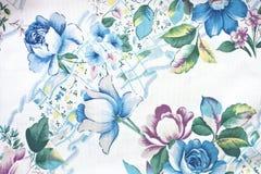 Blommatextur på vit bomull Royaltyfri Fotografi