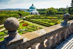 Blommaträdgård i Kromeriz, tjeckisk republik. UNESCO Royaltyfri Fotografi