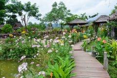 Blommor eller woodbridge Arkivbild