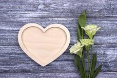 Blommor för begrepp för valentindagkort Fotografering för Bildbyråer