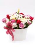 Blommor i blommakruka Arkivbilder