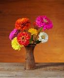 Blommor i en vas Arkivbilder