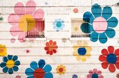 blommor målad vägg Fotografering för Bildbyråer