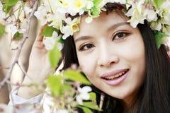 blomningCherryflicka Royaltyfri Fotografi