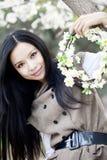 blomningCherryflicka arkivbilder