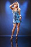 Blond auf Blau Stockfoto