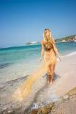 Blond auf dem Strand Lizenzfreie Stockfotos