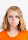 Blond Caucasian tonårs- flicka, studiostående Royaltyfri Bild