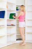 Blond an der Heimarbeit Lizenzfreies Stockfoto
