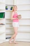 Blond an der Heimarbeit Stockfoto