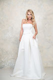 blond dress wedding young Blondin arkivfoton