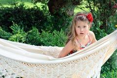 blond dziecka włosianego hamaka długi uroczy outside Obrazy Royalty Free
